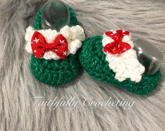 Newborn girl booties.. Christmas baby shoes.. ready to ship.. newborn girl dress shoes
