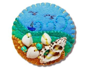 FB-088  Beside The Seaside Theme Handmade Felt Brooch