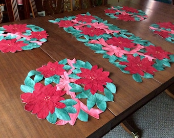 Christmas Poinsettia Cutwork Table Runner + 4 Placemats
