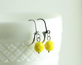 Czech Glass Beads, Czech Glass Earrings, Dangle Earrings, Petite Earrings, Drop Earrings, Lever Back Earrings, Simple Earrings, Earrings