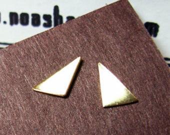 Bizarre Love Triangle. Geometric Shiny 14K Gold Stud Earrings. Unisex Man or Woman. Asymmetric Pair. Handmade Gold Earrings. Fine Jewelry.