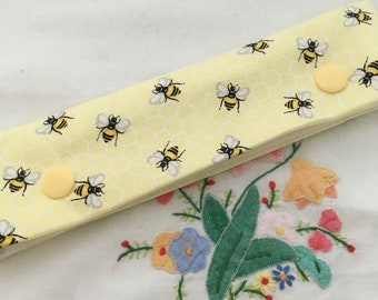 Bees dpn holder cosy