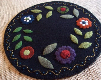 Pretty Little Flowers Candle Mat