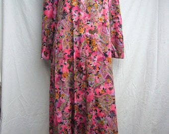 Vintage Paisley Floral MuuMuu Dress 3/4 Sleeve Size Medium With Pockets