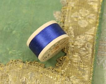 1 spool vintage pure silk buttonhole Belding 6225 twist thread spool deep royal blue shade 10 yards size D Belding Corticelli