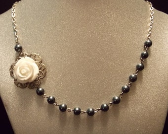 Resin Rose Pearl Necklace