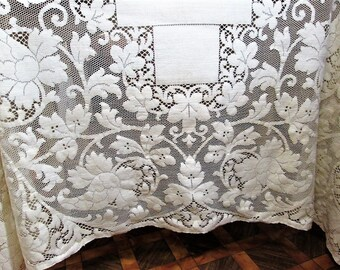 Vintage Quaker Lace Tablecloth Ivory Table Linens Off White Ecru Dining Table Cloth 64x80 Cottage Decor Antique Lace Vintage Linens