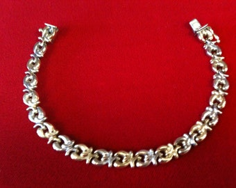 "14 K Yellow & White Gold Two Tone Beautiful Bracelet.8.9 gm. 7 1/2"" Long. Free Shipping."
