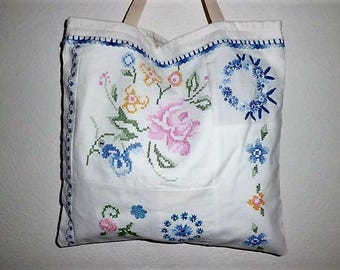 Embroidery ~ shopper, vintage