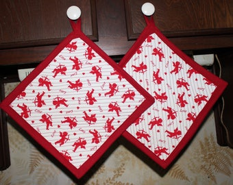 Set 2 Handcrafted Quilted Oversized Potholders Hotpads Trivets, Cupid with Bow Valentine