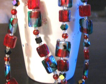 Stylish  red and green frosty glass necklace