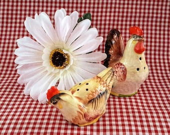 Hen and Rooster Salt and Pepper Shakers, Japan c.1940