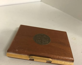 WWII US Navy 'Victory' woman's Wooden Compact