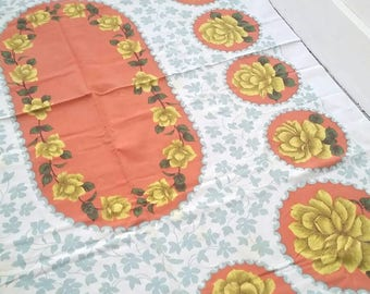 """Vintage 1950s floral tablecloth. Floral garland tablecloth. Vintage Linen tablecloth. Large floral linen tablecloth. 65 x 48""""."""