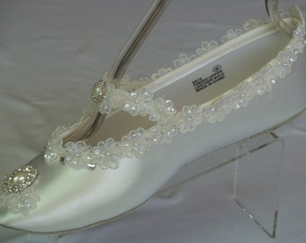 Ivory Victorian Flats Wedding Offwhite shoes,Diamond White Victorian shoes,Marie Antoinette Mary Janes,Satin Slippers,Great Gatsby