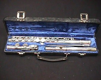 Gemeinhardt Silver Plated Flute Model 2 SP in it's Original Case & Ready to Play  15 F