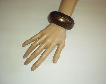 "1960-1970's Hammered Extra Wide style Shiny BRASS BANGLE Bracelet - Made in India (fits wrist up to 11"") Rare, Gorgeous,"