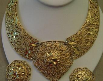 JOSE MARIA BARRERA Falling Leaves For Avon Choker Bib Necklace And Earring Set Spanish Style Ivy Design Gold Tone Metal