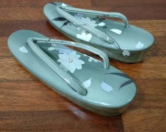 H241 Japanese Traditional Gray Floral Zori Geta Sandal Slipper Geta Shoes Geisha Geta Wood Maiko Kimono Costume
