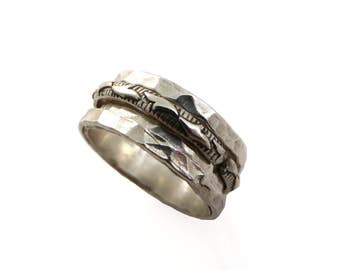 Sterling silver band. spinner ring. Floral spinner band. Wide spinner ring. Silver floral ring. Meditation ring. lazy ring. worry ring