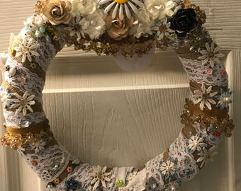 FULL BLOOM...a gorgeous flower wreath to cherish!
