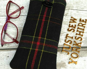 Tartan Glasses Case, wool fabric slip case, Sunglasses Cosy, fine weave British wool, eyeglass case, spectacle pouch, padded cosy, for him