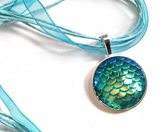 Mermaid Scale Organza Ribbon Necklace, Mermaid Scale Necklace with Organza Ribbon, Blue Green Fish Scale Organza Ribbon Choker Necklace