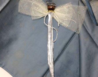 Slender Silvery Okra Angel with Sparkling Gossamer Wings