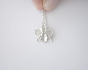 Silver Phalaenopsis Orchid Necklace / Moth Orchid Pendant / Simple Sterling Silver Flower Necklace / Modern Design