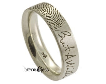 Signature Ring with Single Fingertip Print - A Brent&Jess Fingerprint Ring
