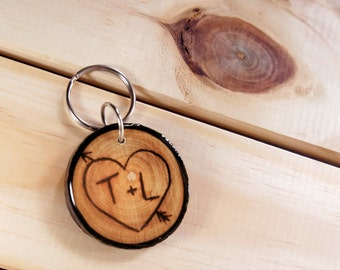 Personalized Couples Keychain, Wooden Keychain, Couple Keychain, Couples Gift, Wood Burned Keychain, Initials & Anniversary Date Keychain
