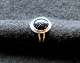 Black lacy agate and sterling silver ring in size 7
