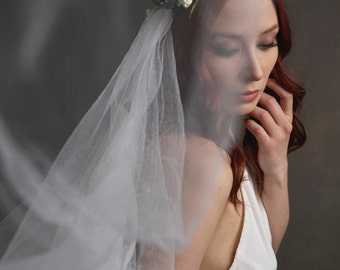 White flower crown veil, bridal veil, woodland wedding crown, medieval circlet, long veil, wedding hair wreath, hair accessory - Isolde