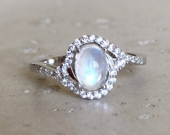 Oval Moonstone Promise Ring- Art Deco Halo Ring- Rainbow Moonstone Engagement Ring- Smooth Moonstone Ring- June Solitaire Birthstone Ring