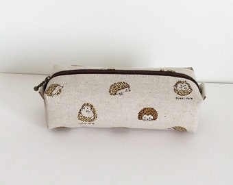 Long box pouch - round hedgehog in natural