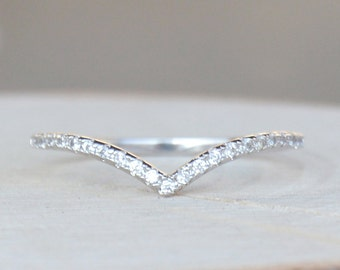 Thin 1.3mm V Chevron Ring - Silver