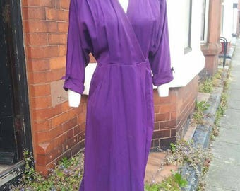 SALE Wonderful 1940s purple volup wrap dress