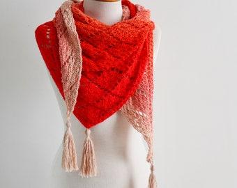 Lace crochet shawl, triangular, Q537