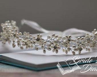 Wedding hair jewelry, pearls and rhinestones bridal wreath