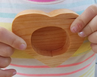 Heart shaped ring holder