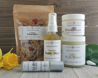 Organic Florals Skin Care Set, Gift for Her, Beauty Set, Eco Friendly Gift Set, Natural Skin Care Gift, Flowers Gift, Gift for Mom