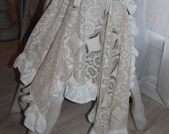 table runner lace froufrou French shabby table runner lace ruffled shabby chic old