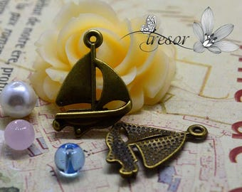 set of 10 charms, bronze, boat QKA003