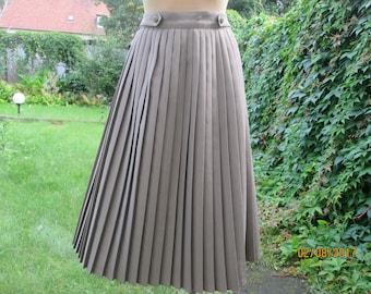 Pleated Skirt / Pleated Skirts / Skirt Vintage / Beige Pleated Skirt / Pleated Skirt  Cocoa / Skirt Vintage / Size EUR 42 / UK14
