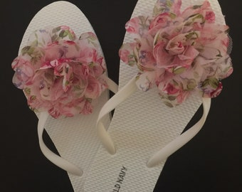 Spring flip flops Beach wedding flip flops Bridal flip flops wedding guest flip flops bridesmaid flip flops flip flops for wedding guests