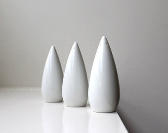 Mid Century Modern Teardrop Salt & Pepper Shakers Trio Classic White Japan