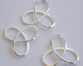 4pcs of silver trinity knot charm  22x22mm