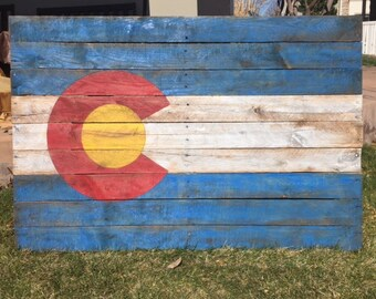 Distressed Colorado Pallet Flag