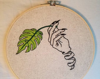 Unravelling Hand // embroidery hoop