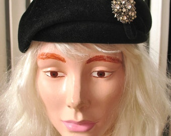 Novak | Vintage 1940s Black Fur Velour Hat Shaped Beret Style with Rhinestones and Bow